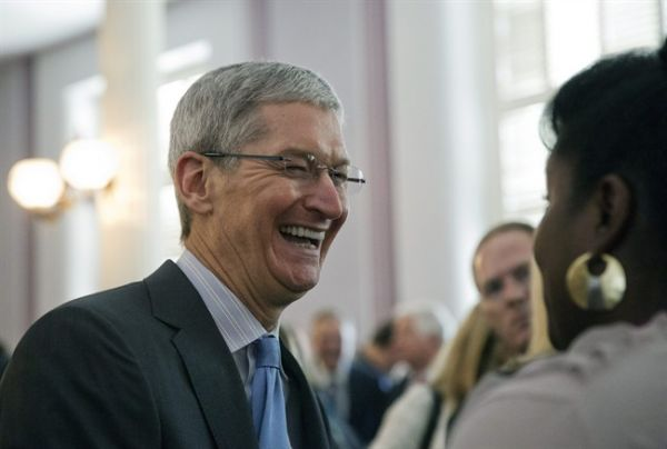 Apple CEO Tim Cook publicly acknowledges that he's gay for first time