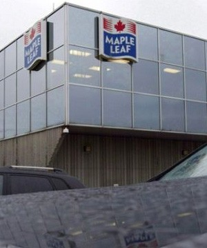 Maple Leaf Foods is cutting more than 400 salaried jobs in a move to cut costs and streamline the organization.