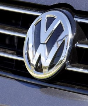 German automaker Volkswagen showed it can still make money even as it grapples with a costly scandal over cars rigged to cheat on diesel emissions tests.