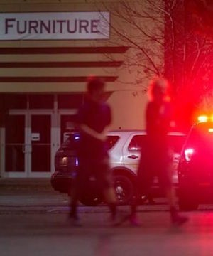 A gunman police who killed five people in a Washington state mall remains at large Saturday.