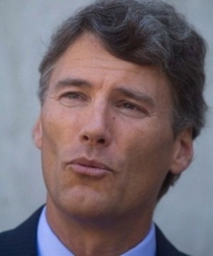Vancouver Mayor Gregor Robertson is the least popular big city mayor in Canada.