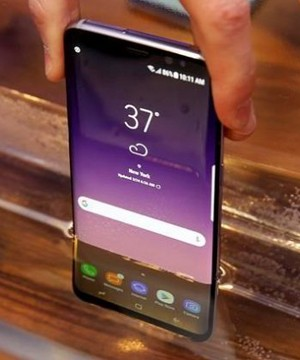 Samsung seems to be playing it safe with its first major smartphone since the embarrassing recall of its fire-prone Note 7.