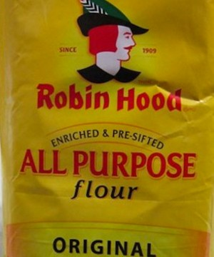 The Public Health Agency of Canada is investigating an outbreak of E. coli related to a batch of Robin Hood all-purpose flour that's now the subject of a recall.