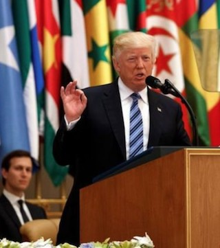 U.S. president demands Mideast leaders combat crisis of Islamic extremism.