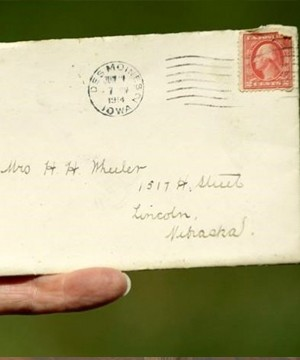 A mail carrier in Lincoln, Neb., faced a difficult task earlier this month when he found a letter sent more than 100 years ago in his pile.