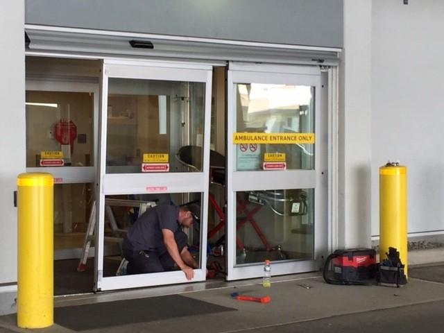 Driver rams hospital doors & Driver rams hospital doors - Vernon News - Castanet.net