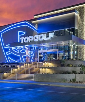 Cineplex has signed an exclusive partnership deal to open Topgolf entertainment complexes across the country over the next several years.