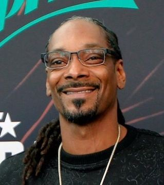 Snoop, will promote Seedo's small refrigerator-like machine that grows plants with the help of artificial intelligence.