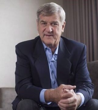Bobby Orr defends Don Cherry, rips Sportsnet.