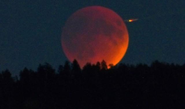 Strange lights in the sky - Kelowna News - Castanet net