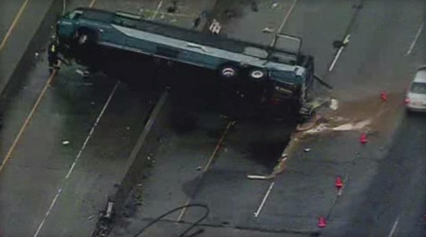 At least 2 reported dead in San Jose Greyhound bus crash