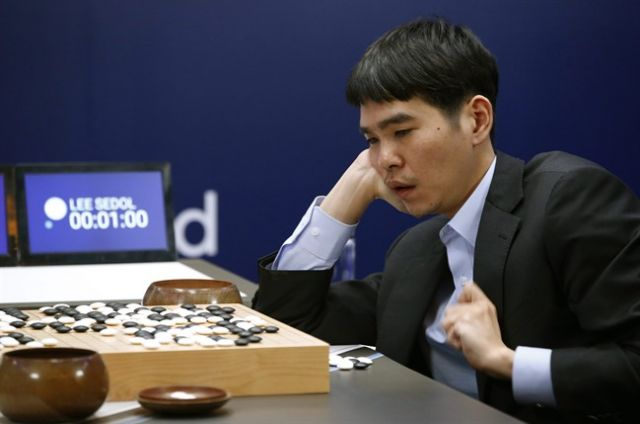 Software Wins Go Match: Google's Deepmind AI Beats Grandmaster