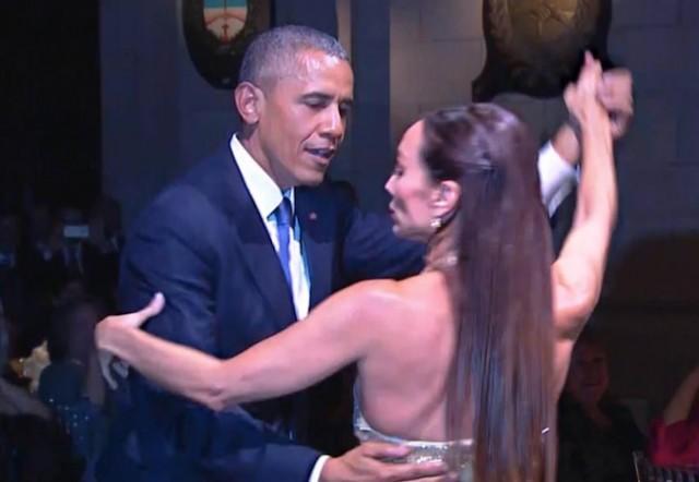 Hello, Buenos Aires: The Obamas do the tango