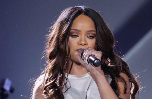 Rihanna to earn Michael Jackson video award at MTV VMAs
