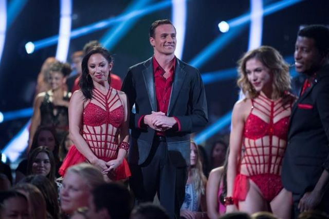 Ryan Lochte attacked during live season premiere of 'Dancing with the Stars'