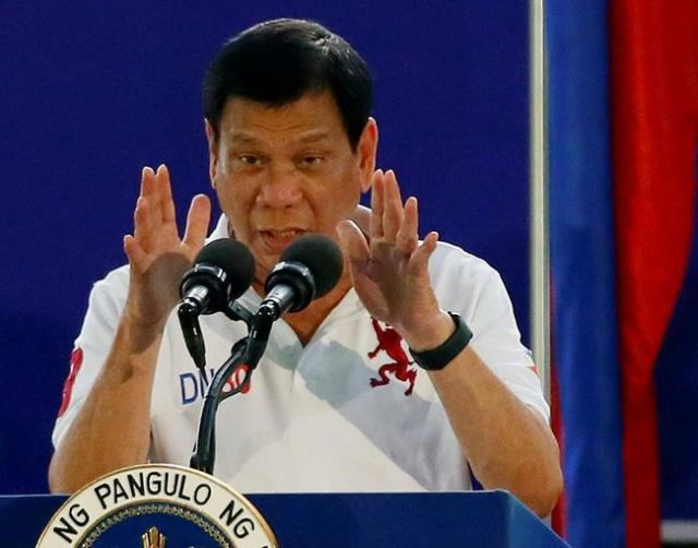Philippines President Duterte 'once killed man with Uzi'