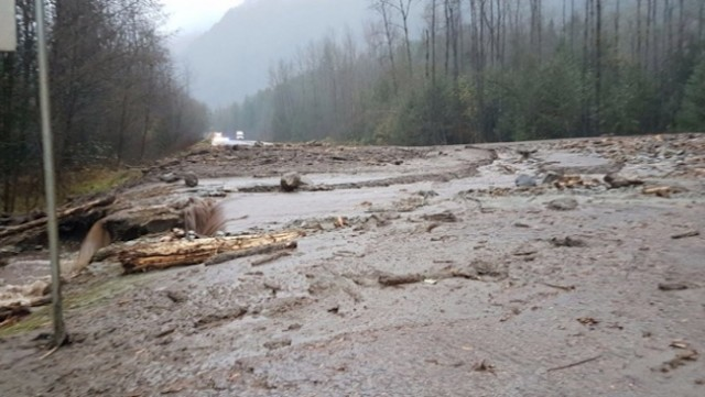 Mudslides close Highway 1 between Hope and Chilliwack