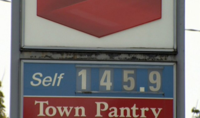 Gas prices continue to go up in Metro Vancouver