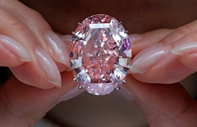 Sotheby's auctions 59.6 carat pink diamond for $71.2 million