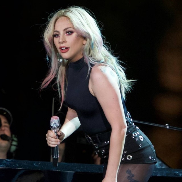 Lady Gaga invites fans to be extras in 'A Star Is Born'