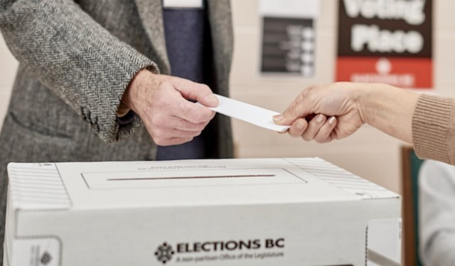 Liberals gain three-vote lead in Courtenay-Comox race
