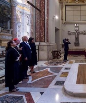 President Donald Trump and Pope Francis met at the Vatican on Wednesday, setting aside their previous clashes to broadcast a tone of peace.