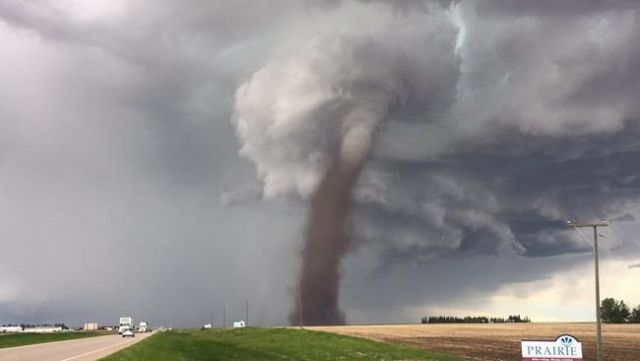 Tornado touches down north of Three Hills