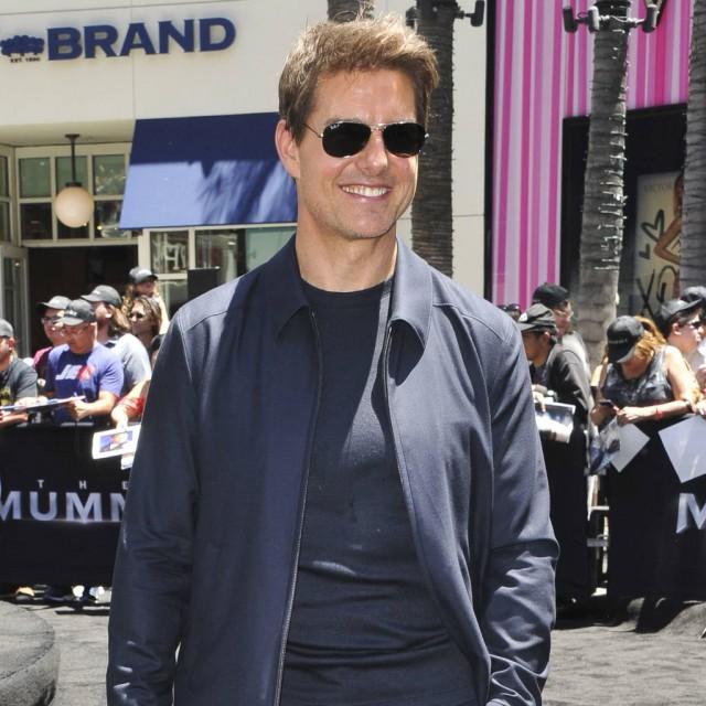Tom Cruise's zero-gravity stunt induced vomiting from crew