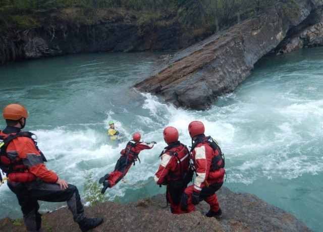 Divers search river for Mayo man missing in Canada