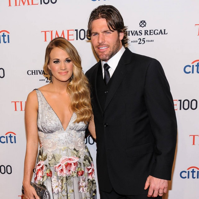 Carrie Underwood and Mike Fisher Share Anniversary Selfie, Sweet Messages