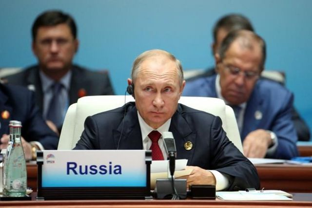 Moon, Putin Agree N. Korean Nuke Issue Needs Swift Resolution