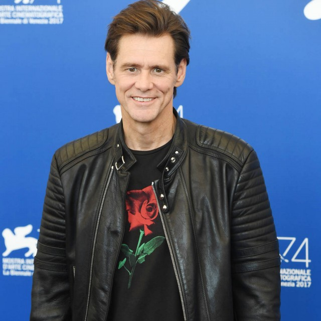 Jim Carrey's weird red carpet interview is goes VIRAL