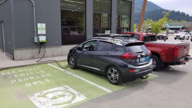 Salmon Arm Toyota >> Electric Car Option En Route Salmon Arm News Castanet Net
