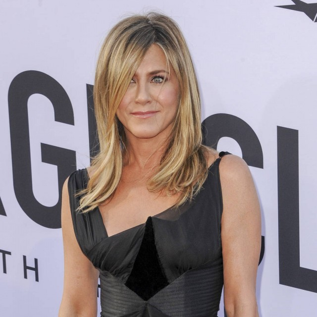 Jennifer Aniston Opens Up About Her Marriages & Having Children!