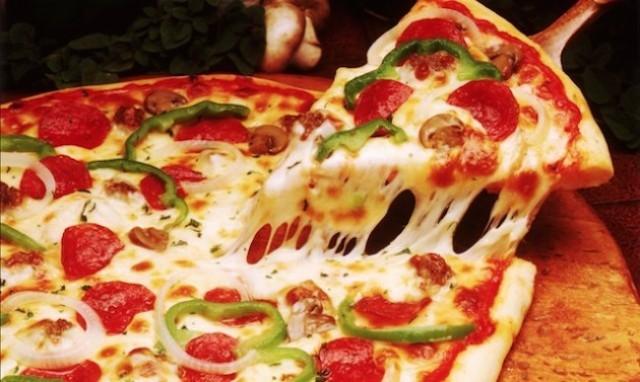 Самая вкусная тонкая пицца рецепт