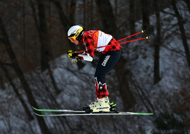 Serwa leads Canada 1-2 in women's skicross
