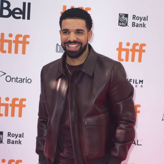 Drake Gives Over $125000 to Strangers for ''God's Plan'' Music Video