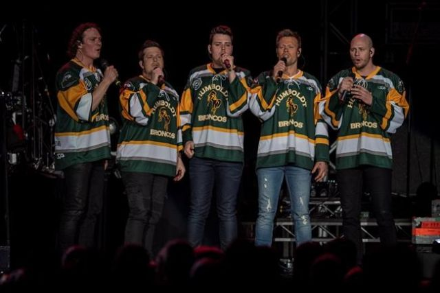 Centre ice memorial to be removed from Humboldt arena on Friday
