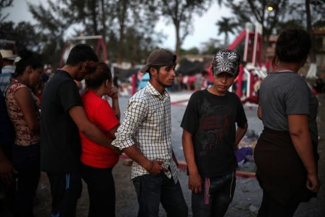 Migrants leave caravan camp in southern Mexico
