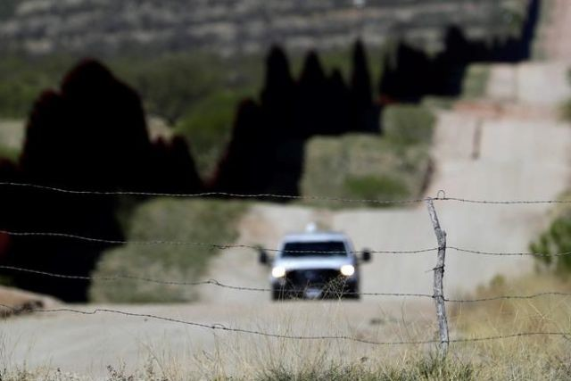 Arizona deploys 225 troops to US-Mexico border