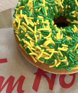 Tim Hortons says green and yellow doughnut raises $800,000 for Humboldt.