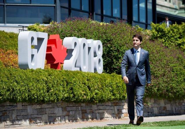 In battle of tweets, Canada's Trudeau dismisses Trump critique