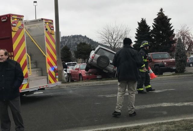 Parking Lot Pileup Kelowna News Castanet Net