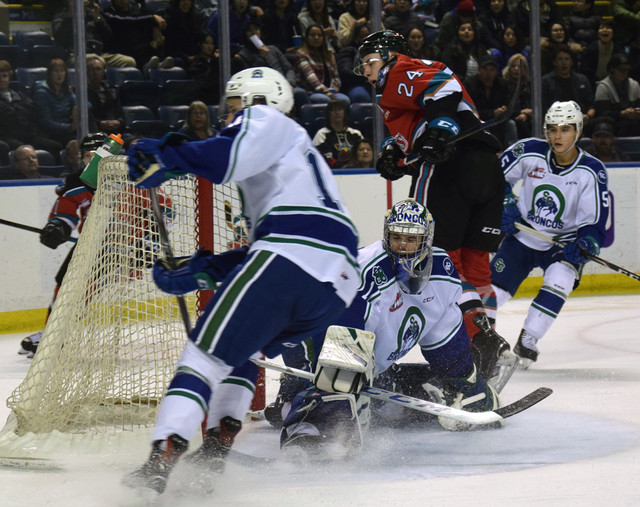 Nolan Foote's 2nd of the night lifted Kelowna to a 3-2 victory - WHL