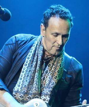 Def Leppard guitarist Vivian Campbell recovering from back surgery.