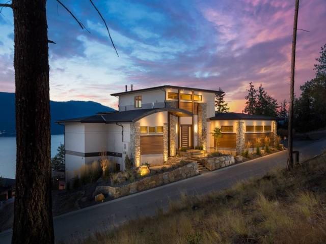 Luxury home listing in Kelowna - Luxury Homes