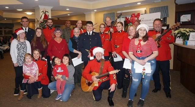 Kelowna RCMP Christmas Cheer Crew visits seniors - Kelowna News