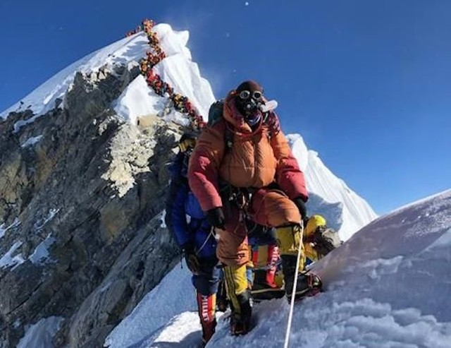 Mount Everest Too Crowded World News Castanet Net