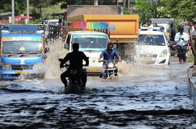 Floods, mudslides hit India - World News - Castanet net