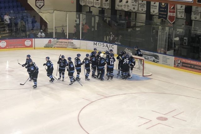 Vees continue hot start - BCHL